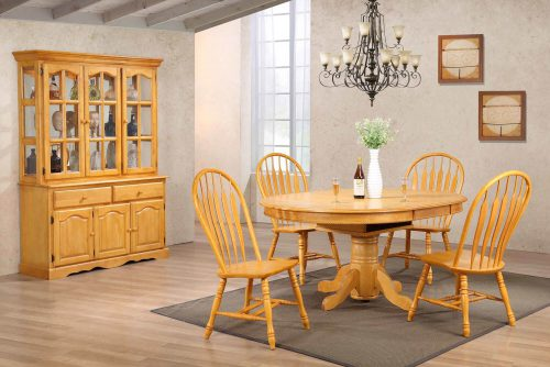 Oak selections - Six-piece dining set - extendalbe pedestal table - four chairs - Treasure buffet and lighted hutch in a light-Oak accents DLU-22-BH-LO
