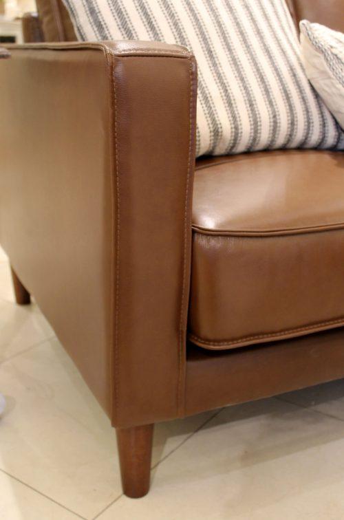 Prelude sofa-arm detail-SU-PR15070-86-300E